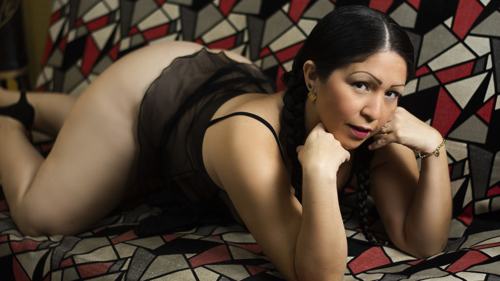 Watch the sexy tudiosatrevida from LiveJasmin at GirlsOfJasmin